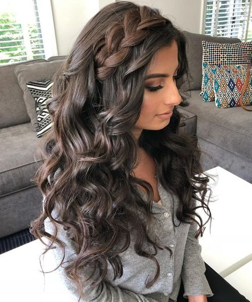 Women hairstyles-Ash Blonde-Long Thick Wavy Hairstyles-Long Thick Wavy Hairstyles 2020-Hairstyles 2020 for Girls