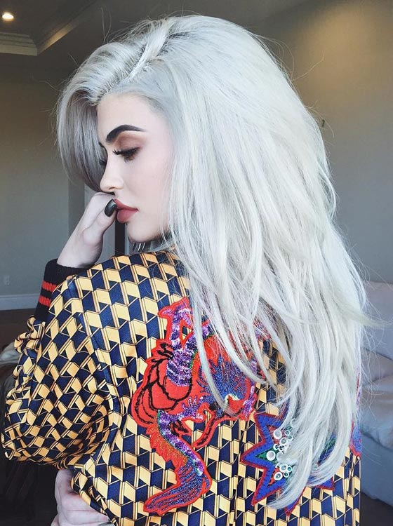 Kylie Jenner Hairstyles- Silver Gray Layered Hair