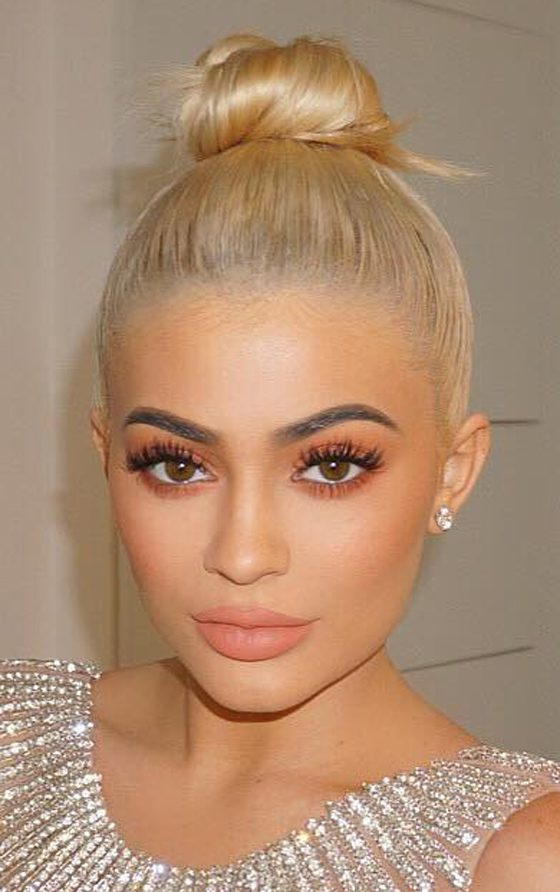 Kylie Jenner Hairstyles- Top Knot 2020