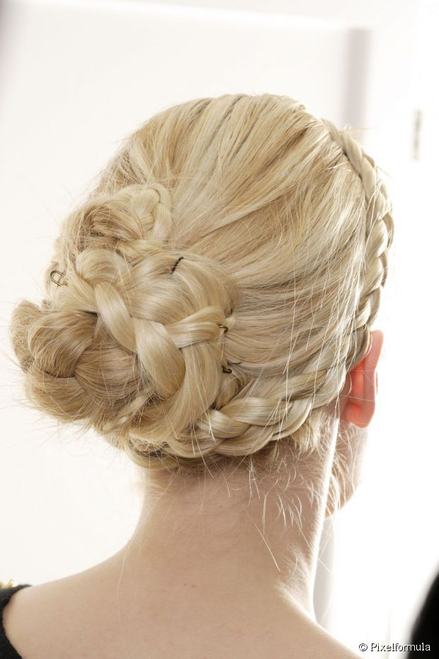 WEDDING HAIR STYLES FOR GIRLS