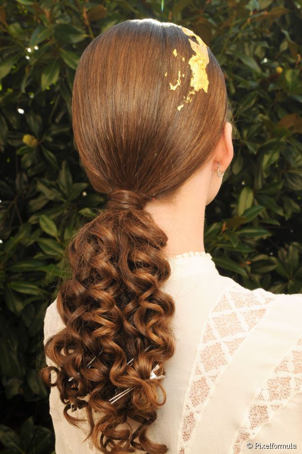 Curly Ponytail Hairstyle For Brides
