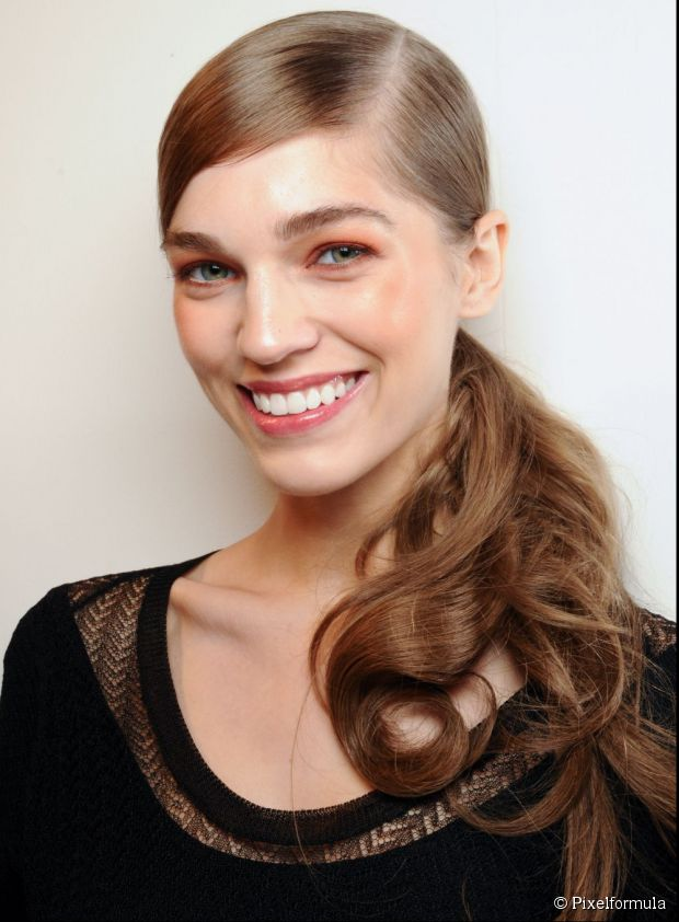 Low Ponytail Hairstyle For Brides